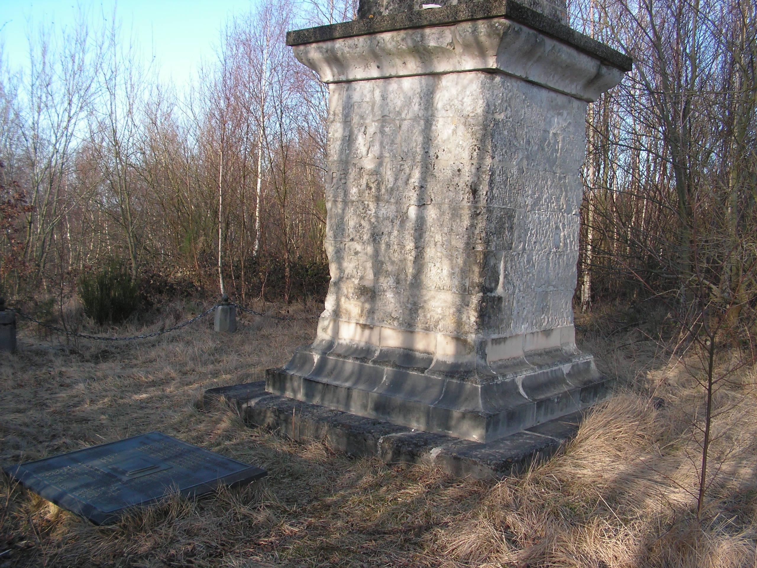 Colonne d'Helfaut érigée à la mémoire du Duc d'Orléans 100303103028567535558142