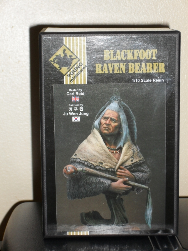 Blackfoot raven Bearer young Miniatures 100308092437794955591876