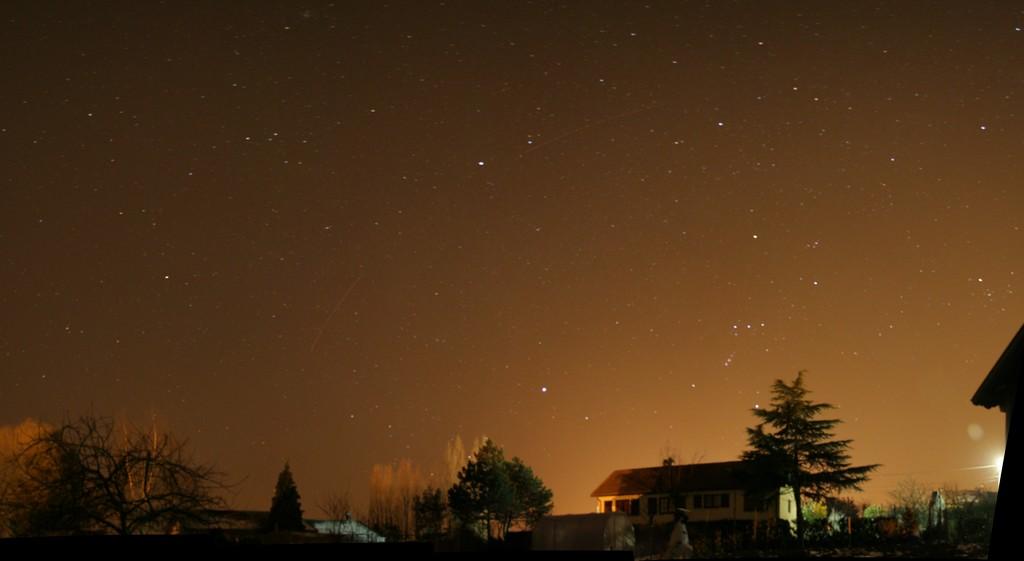 Pollution lumineuse, mosaïques, constellations et croissant... 10031008094240455603795