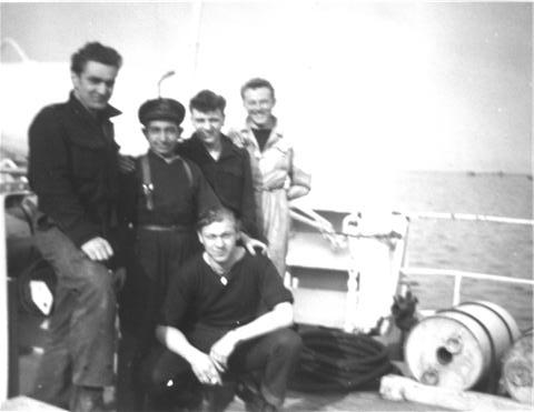 M900 / A954 Adrien De Gerlache (ex HMS Liberty) - Page 2 100312124152997005613030
