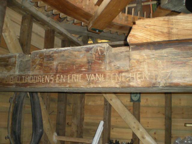 Frans-Vlaamse en oude Standaardnederlandse teksten en inscripties - Pagina 4 100330060502970735733979