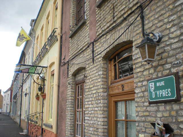 De Vlaamse vlag op onze huizen hangen 100330060639970735733986