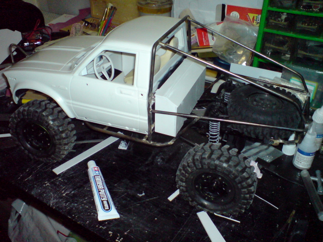 [ SCX10 Axial ] Toyota Hilux trial  100403122232228115757605