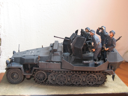 sdkfz 251/17 ausf C Dragon 1/35 100404045338667015765937