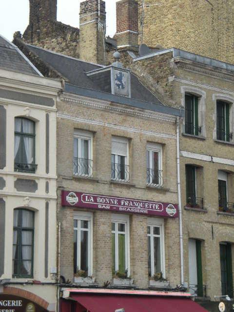 De Vlaamse vlag op onze huizen hangen 100416102409970735848202