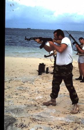 A961 Zinnia - Operation EQUATOR KISS (dec 1992 - jan 94) - Page 3 1004190821401050245866543