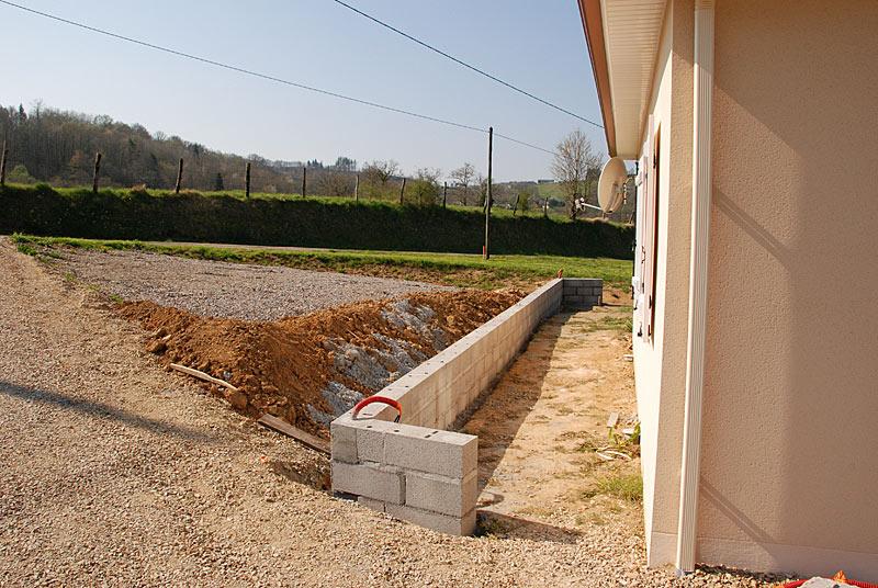 Petit mur de sout nement de terre tanch it ou pas 11 messages - Mur de soutenement pas cher ...