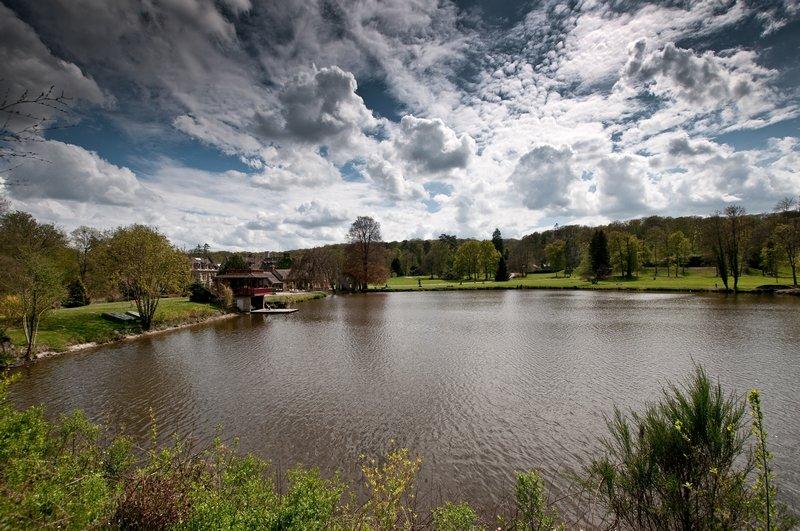 Abbaye des Vaux de Cernay : l'étang 100428110334896745926371