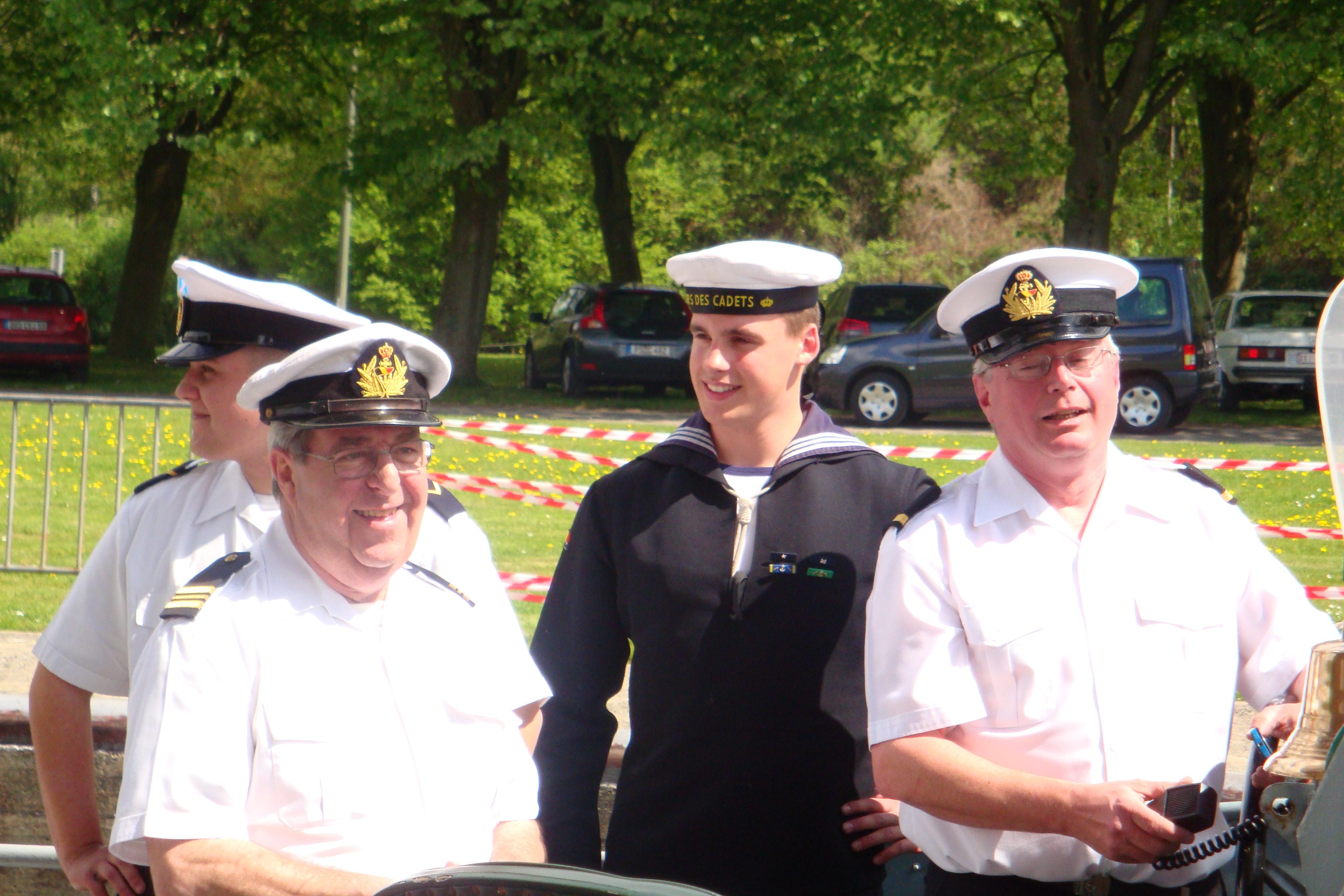 photos de la réunion des anciens à Ittre le 1er mai 2010 - Page 4 100502012627990285945223