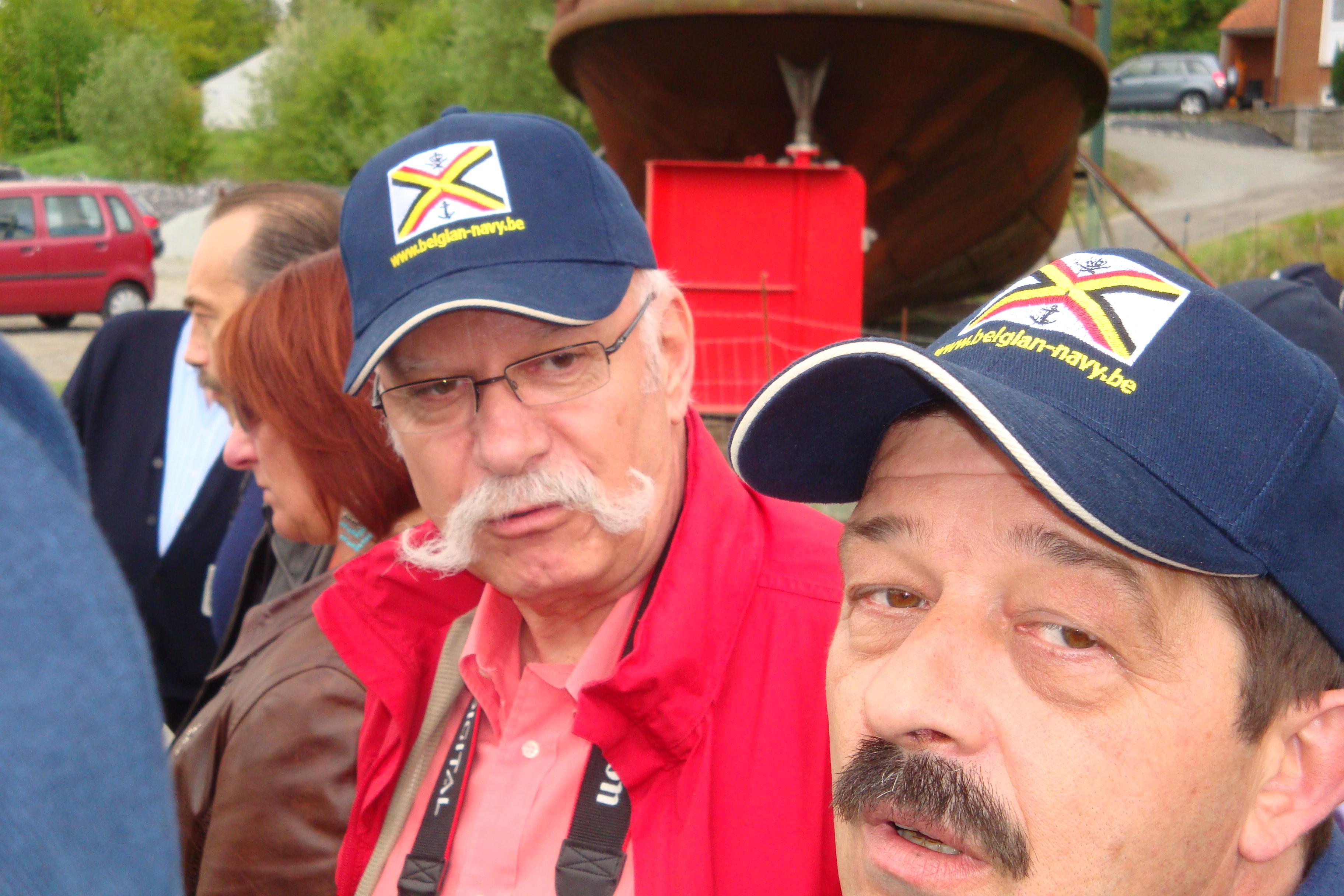 photos de la réunion des anciens à Ittre le 1er mai 2010 - Page 4 100502092733990285945980