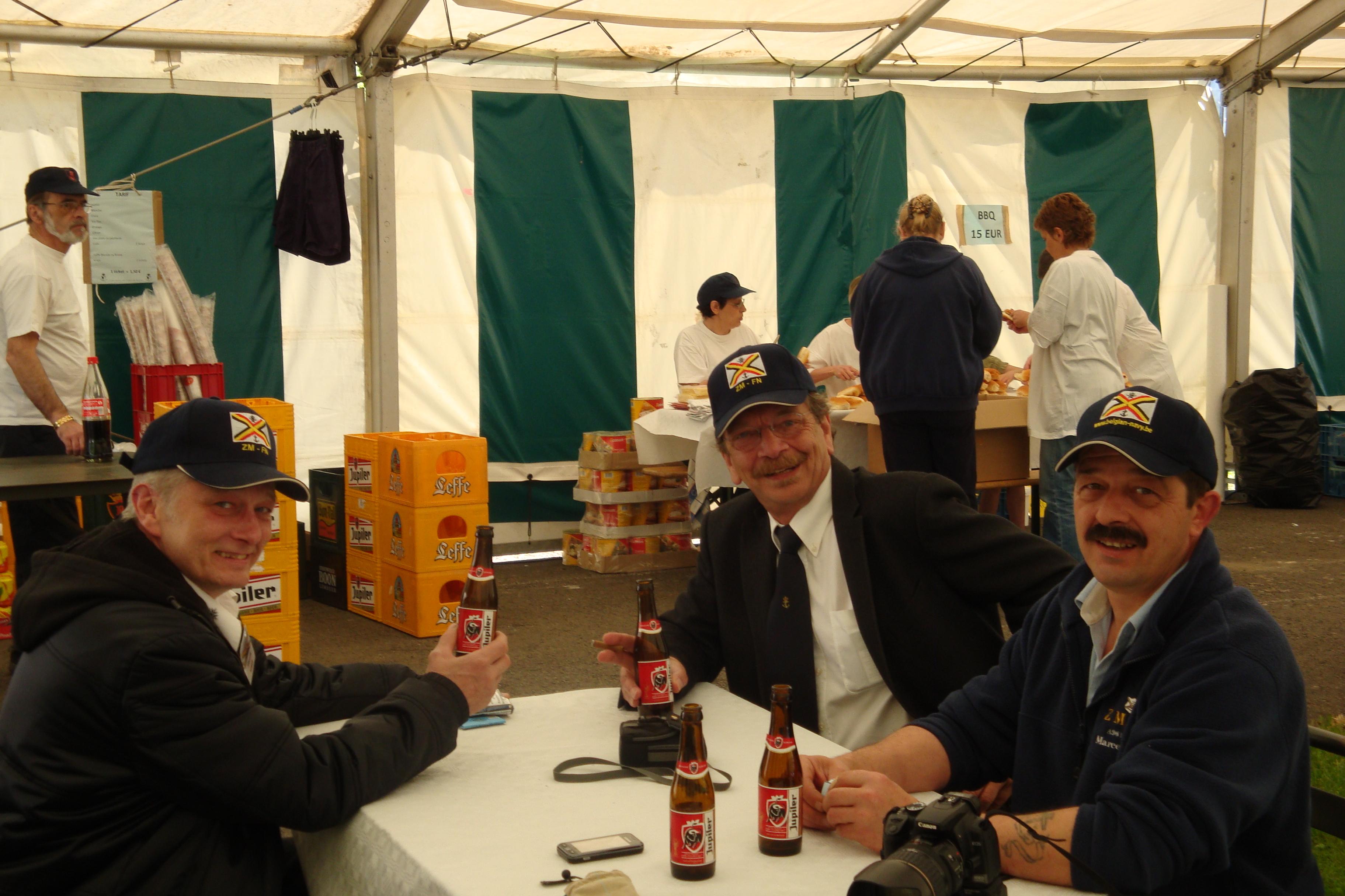 photos de la réunion des anciens à Ittre le 1er mai 2010 - Page 4 100502122923990285945129