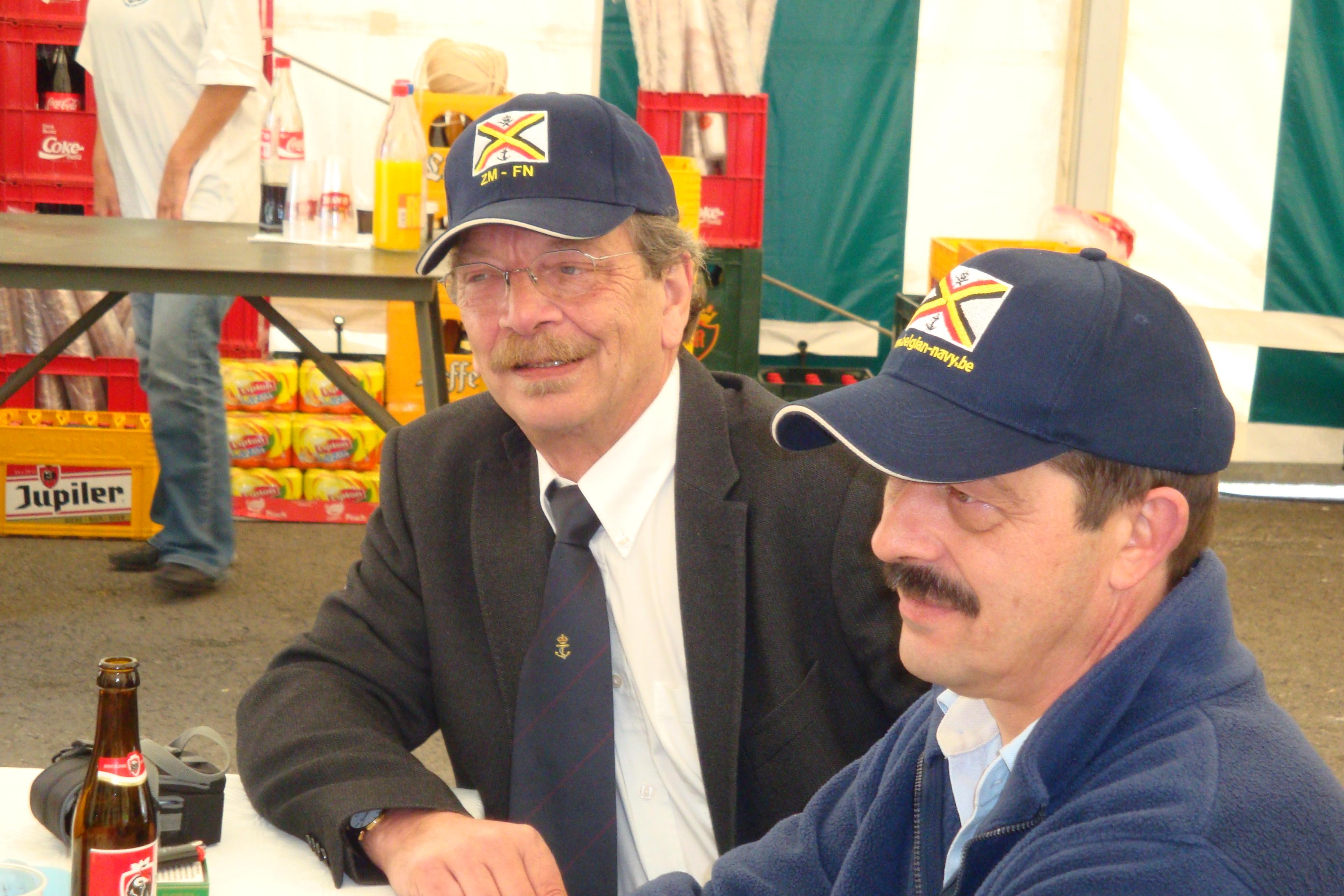 photos de la réunion des anciens à Ittre le 1er mai 2010 - Page 4 100502122926990285945138