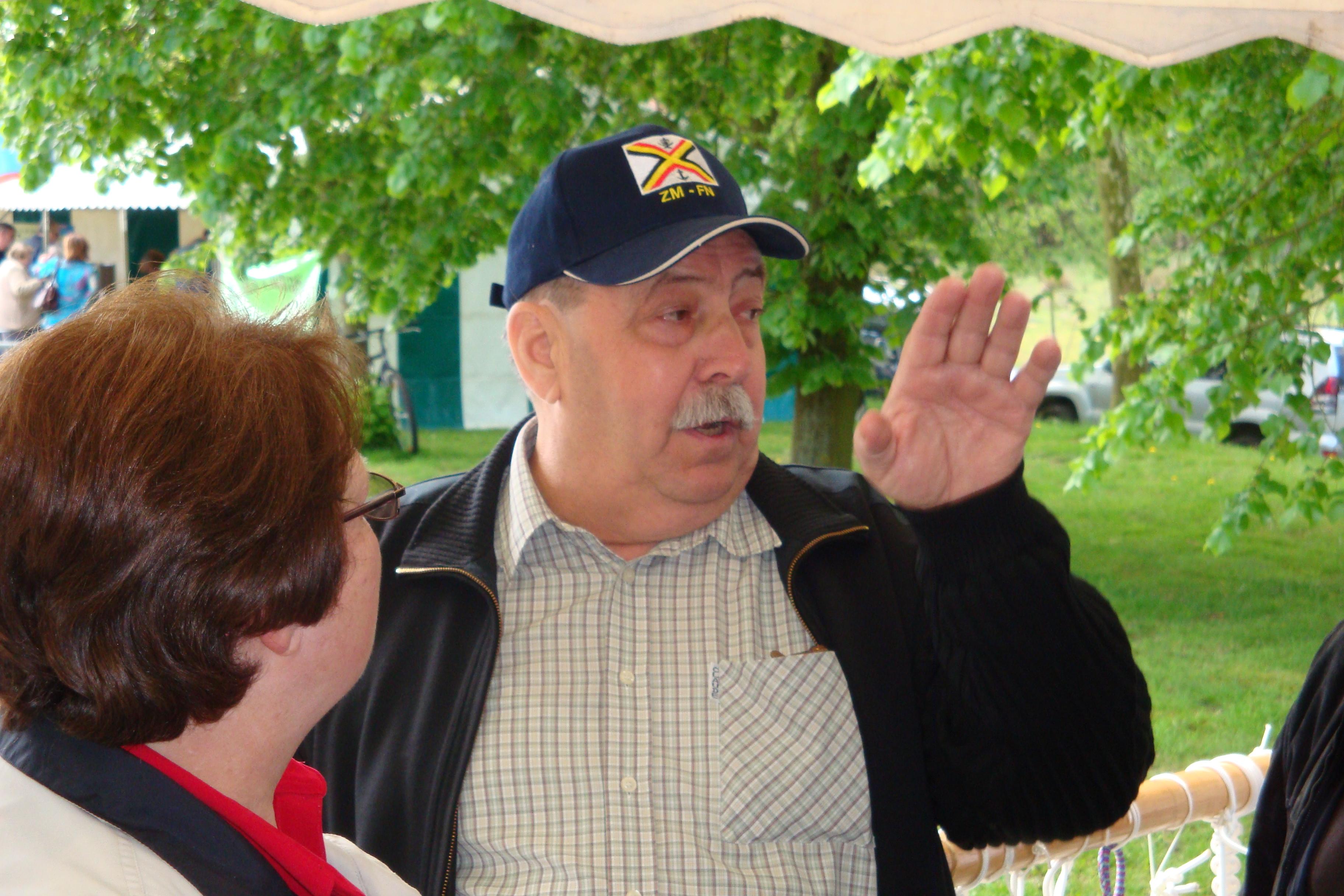 photos de la réunion des anciens à Ittre le 1er mai 2010 - Page 4 100502122927990285945139