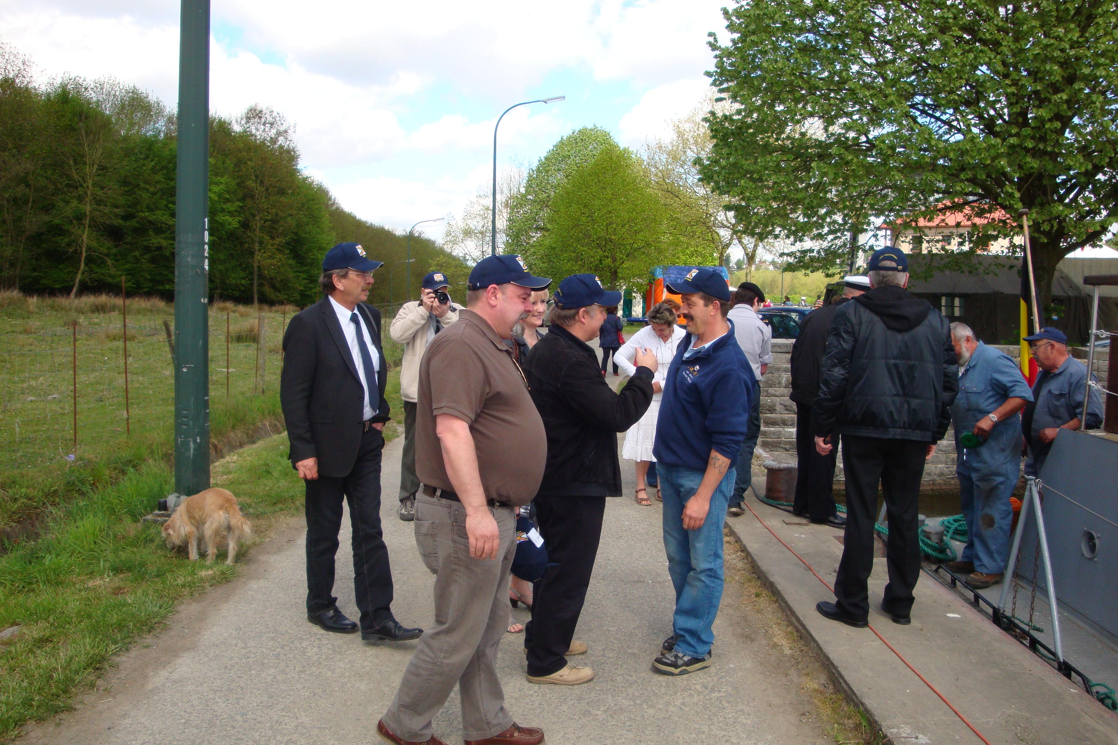 photos de la réunion des anciens à Ittre le 1er mai 2010 - Page 4 100502122927990285945141