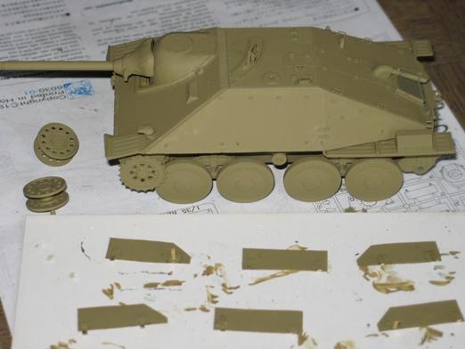 Hetzer(early) armée polonaise Dragon 1/35 - Page 2 100506040320667015977887