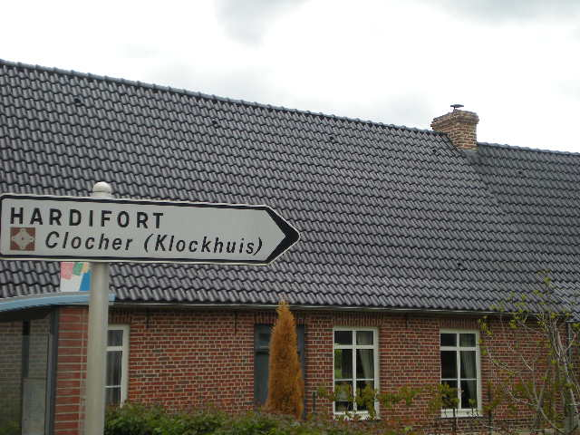 Tweetalige verkeersborden in Frans-Vlaanderen - Pagina 5 100513045159970736023646