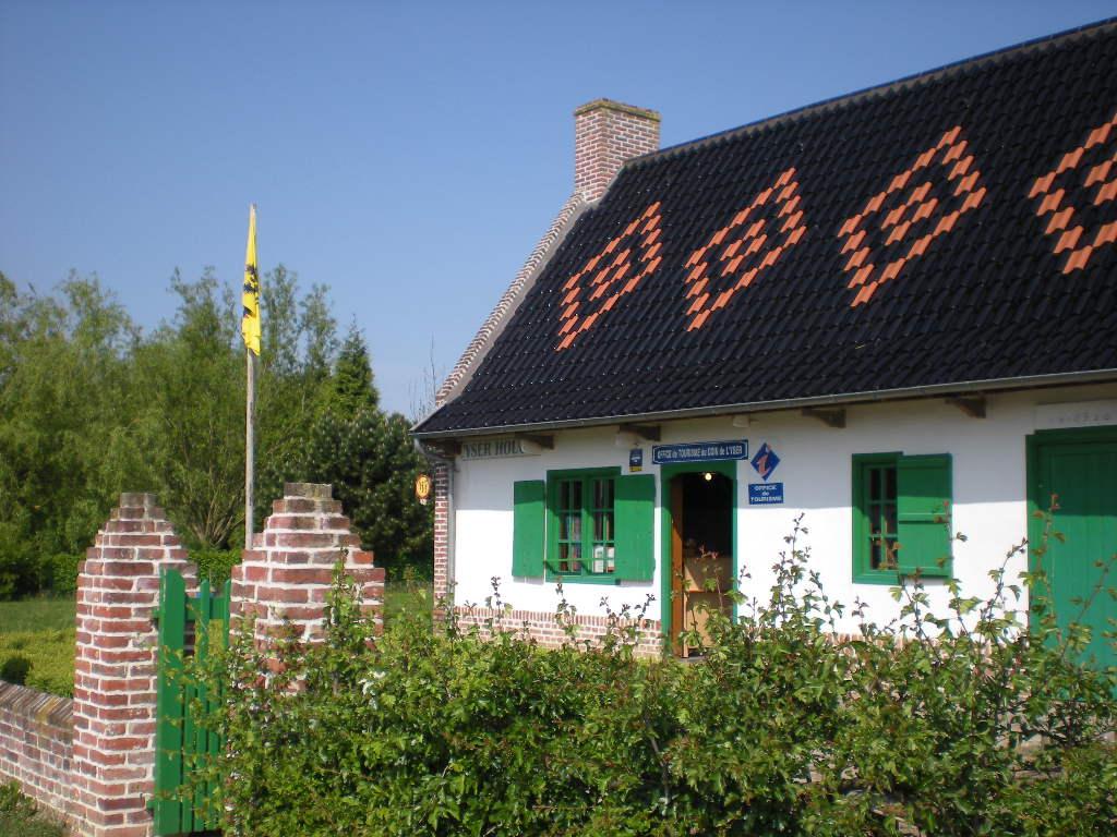 De Vlaamse vlag op onze huizen hangen 100518020352970736056569