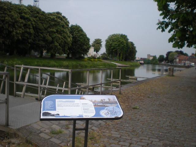 Het Nederlands en het Frans-Vlaams bij de ontwikkeling van het toerisme in Frans-Vlaanderen 100527084939970736115178