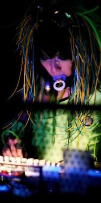 DJ Sisen (Tokyo decadance) 100603013526988196154967