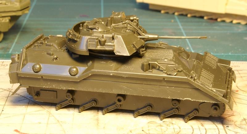 [revell] M3 Bradley 1/72 1006200706371050216264630