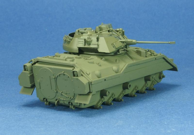 [revell] M3 Bradley 1/72 1006210720081050216271812