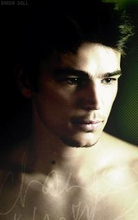 •• Grayson is a killer queen 100621083011539896272435