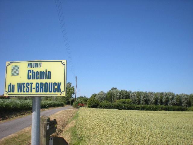 Tweetalige verkeersborden in Frans-Vlaanderen - Pagina 6 100704065117970736346637
