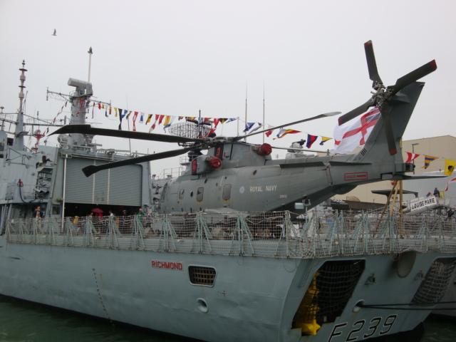 Vos photos du Navy Day 03&04/07/2010  100705041150895286351488