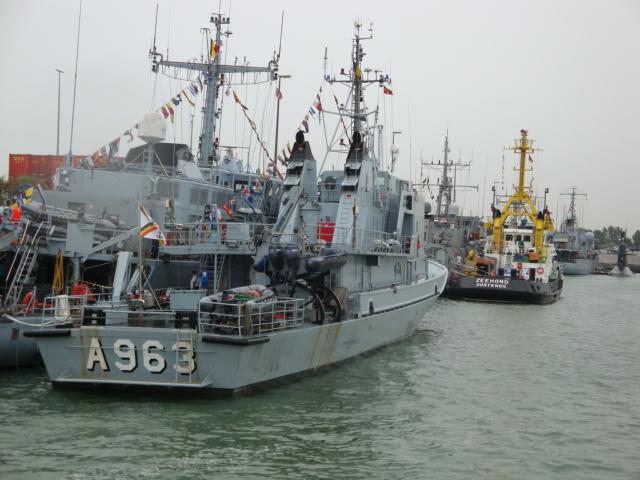 Vos photos du Navy Day 03&04/07/2010  100705041150895286351489