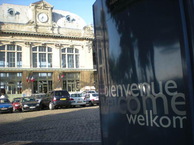 Het Nederlands in onze winkels, bedrijven en in de openbare ruimte 100715111147970736409217