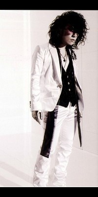 Ruki (The GazettE) 100722070053988196442013