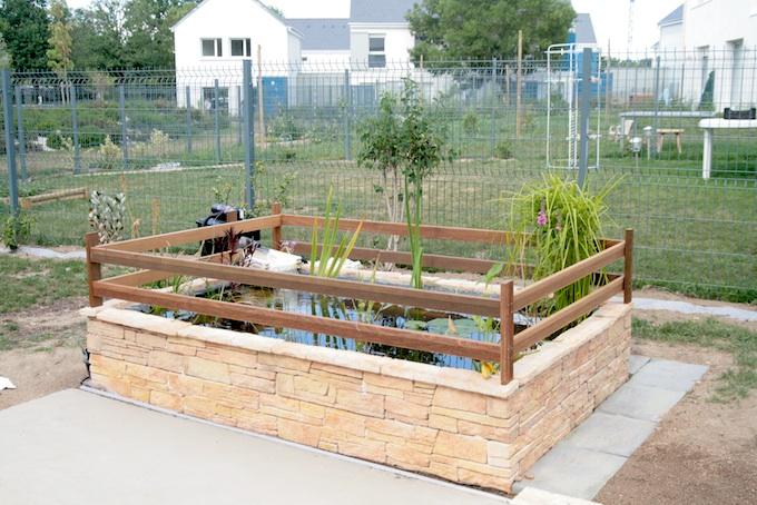 mon premier bassin au jardin forum de jardinage. Black Bedroom Furniture Sets. Home Design Ideas