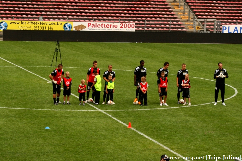 Journée Portes Ouvertes du R.Charleroi.S.C. [Photos] 2010-2011 1007261205171004306464150