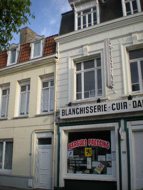De Vlaamse vlag op onze huizen hangen 100803114051970736513360