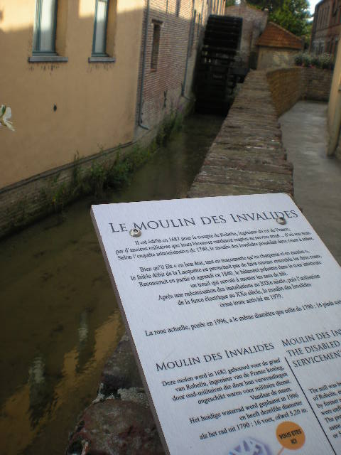 Drietalige borden van Ariën (Aire-sur-la-Lys) 100810101552970736540546