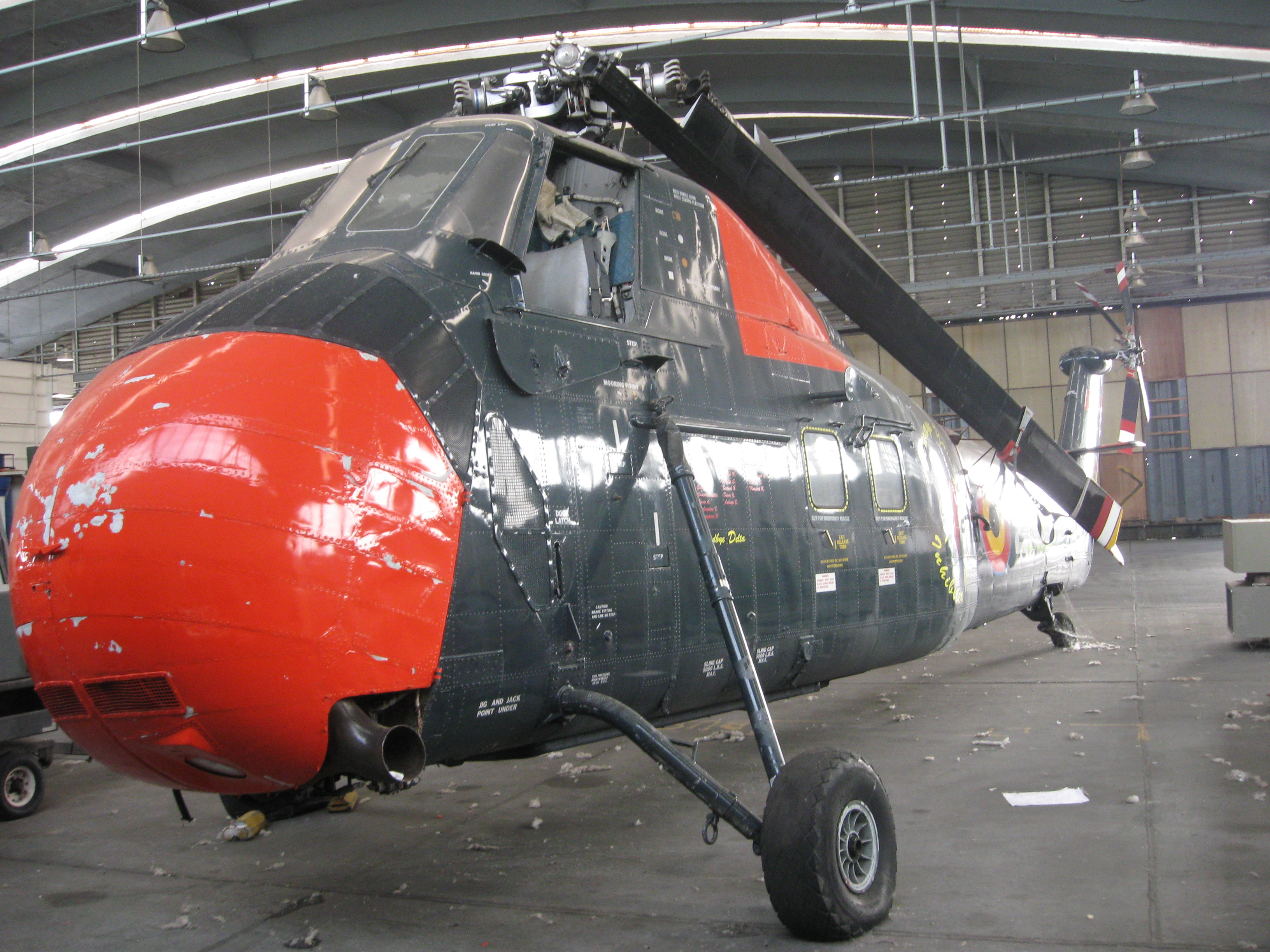 Sikorsky H-34 1008190742471050246592443