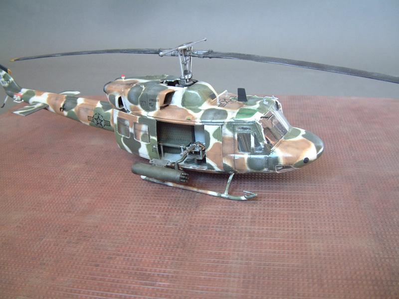 "[Heller] UH-1N ""Spécial Forces"", 1/48e 100822061200476906609986"