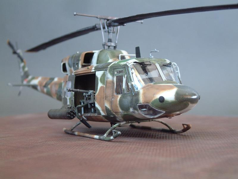 "[Heller] UH-1N ""Spécial Forces"", 1/48e 100822061211476906609987"