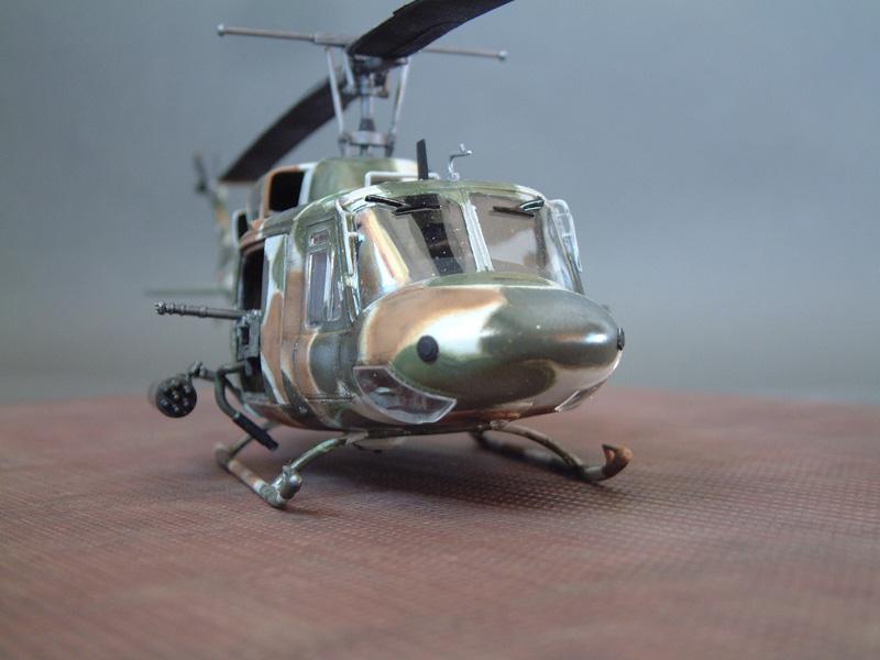 "[Heller] UH-1N ""Spécial Forces"", 1/48e 100822061408476906610008"