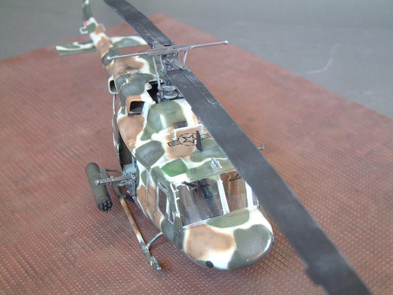 "[Heller] UH-1N ""Spécial Forces"", 1/48e 100822061430476906610011"