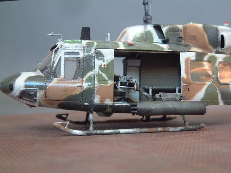 "[Heller] UH-1N ""Spécial Forces"", 1/48e 100822061455476906610018"